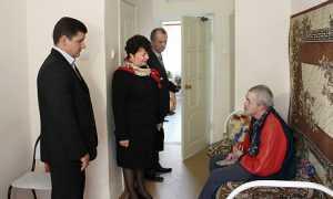 Одиноким брянским старикам подарят общение