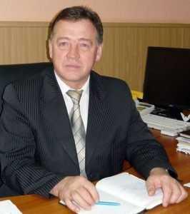 В Комаричском районе все остановки исписали позорящими главу призывами