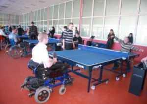 В Брянске проходит теннисный турнир среди инвалидов-колясочников