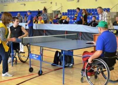 Брянцы взяли 15 медалей на теннисном турнире среди инвалидов-колясочников