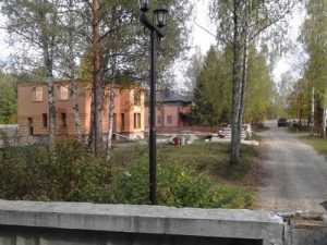 Детский лагерь под Брянском превратили в поселок солидных господ