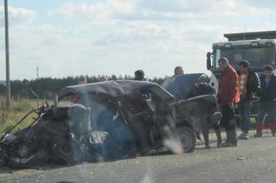 Около брянского поселка Погребы произошла дорожная трагедия