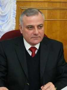 Депутат Брянской Думы Борис Бадырханов может  уйти в Госдуму