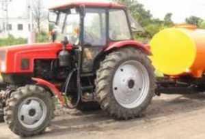 Под Брянском «Мерседес» протаранил стоявший на трассе трактор