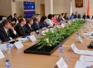 Заместителями главы Брянска стали Владимир Гайдуков и Лариса Третьякова