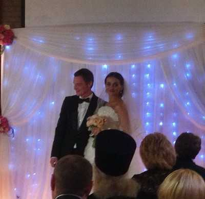 Денин женился