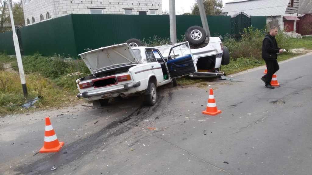 В Брянской области водитель «шестерки» столкнулся с внедорожником