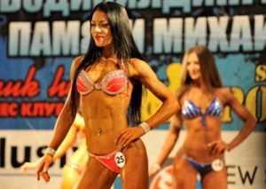 Брянская девушка стала чемпионкой Белгорода по фитнес-бикини