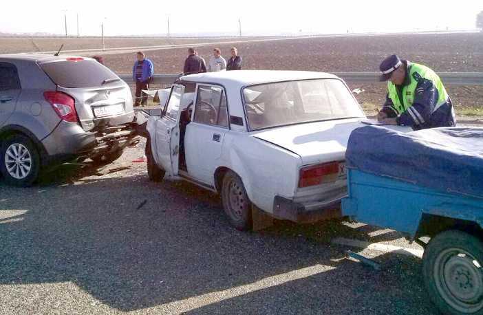 На трассе «Дон» столкнулись около 50 машин
