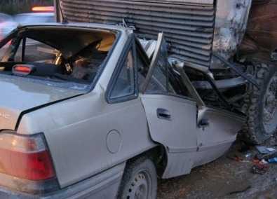 В Карачеве  молдаванин погиб, попав под грузовик