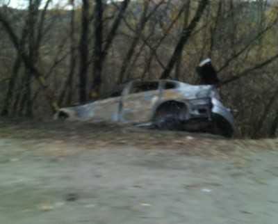 В Брянске иномарка сгорела после ДТП