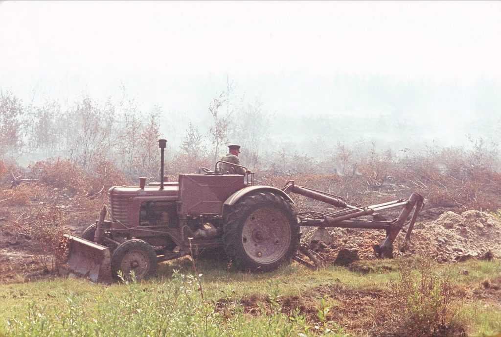 Около брянской деревни Кожаны обводняют радиационные торфяники
