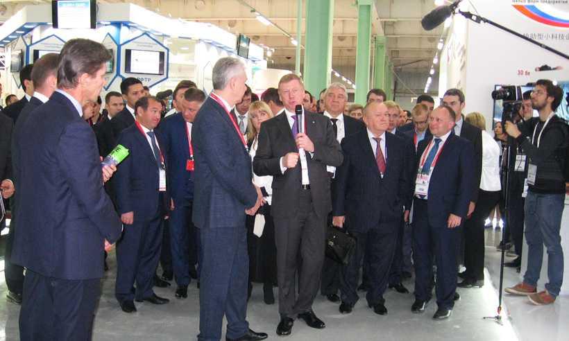 Чубайсу и Медведеву представили проекты брянских предприятий