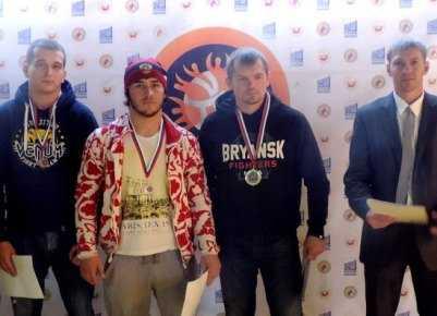 Брянские борцы завоевали четыре медали на турнире в Курске