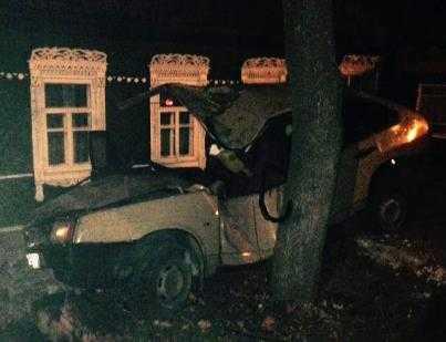 В Брянске пьяный водитель сломал позвоночник пассажиру