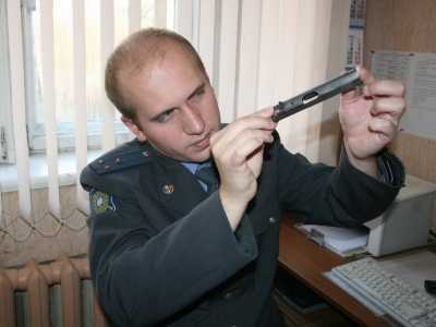 Продавец оружия пытался переправить через Брянск  детали пистолета