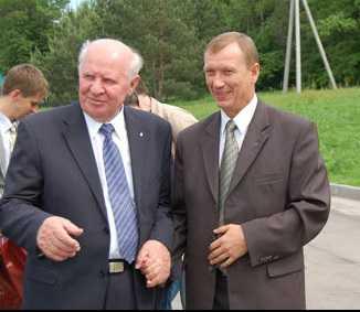 Пенсионеру Егору Строеву оставили служебную машину