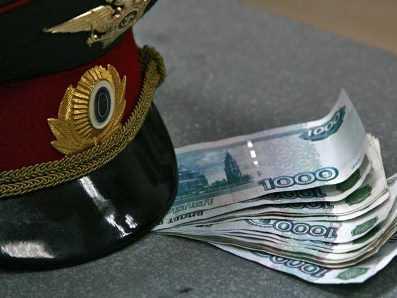 Брянского полицейского осудили за получение 15 взяток