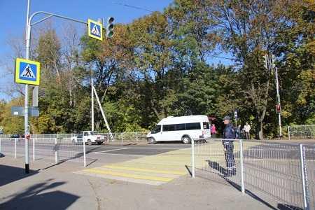 В брянских поселках Мичуринский и Путевка установили светофоры