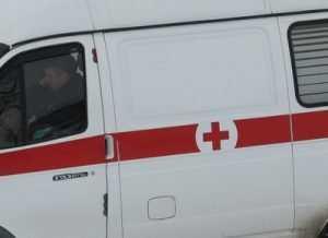 В Клинцах на автомобиле разбились два юноши и девушка