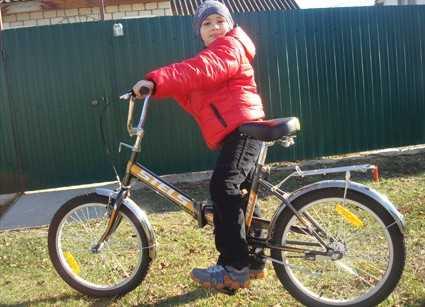 С плеча Медведева брянскому мальчику даровали планшет и велосипед