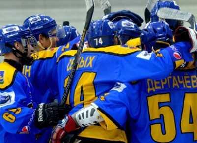 Хоккейный «Брянск» разгромил «Елец», забросив шесть шайб