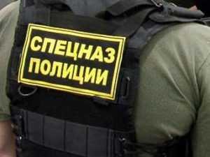 Брянский спецназ штурмом взял наркопритон в Новозыбкове