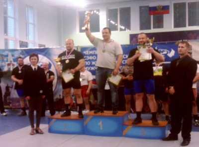 Брянец  стал чемпионом по пауэрлифтингу с рекордом региона
