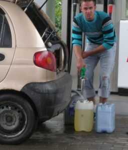 В Брянске сотни автомобилей попали в ремонт из-за плохого бензина