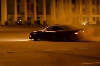 Брянского водителя задержали за фигурное катание около ДК БМЗ