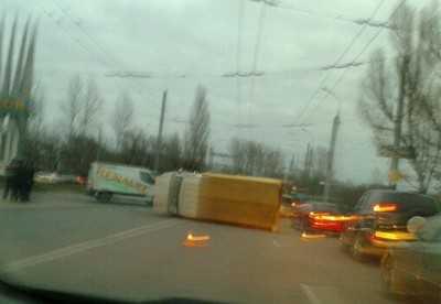 На кольце около вокзала Брянск-I перевернулась «Газель»