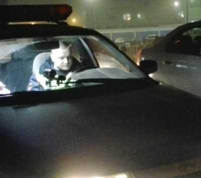 Наказанный 29 раз брянский лихач врезался в гараж и ранил пассажира