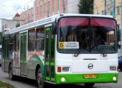В Брянске задержан водитель автобуса, употреблявший героин