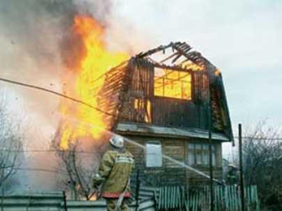 Брянского  пристава наградили за спасение пенсионерки при пожаре