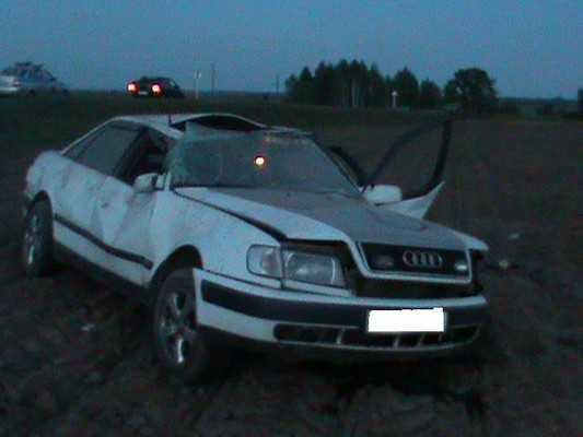 На брянской дороге перевернулся «Ауди» — три человека пострадали