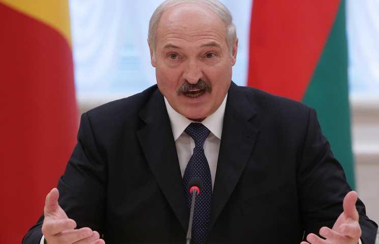 Лукашенко потребовал бороться с тунеядством