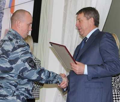 Лучшие сотрудники брянской полиции получили награды
