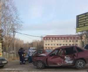 Водитель, устроивший ДТП  у памятника болгарам в Брянске, сбежал