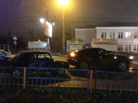 Брянский студент на «семерке» сокрушил «шестерку» BMW
