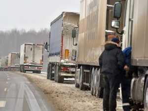 На границе с Белоруссией образовались многокилометровые пробки