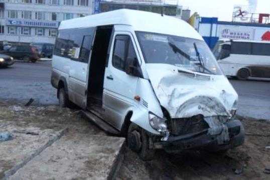В брянской маршрутке, врезавшейся в «КАМАЗ», ехали юные спортсмены
