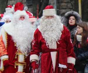 В автобусах брянских детей будет сопровождать Дед Мороз