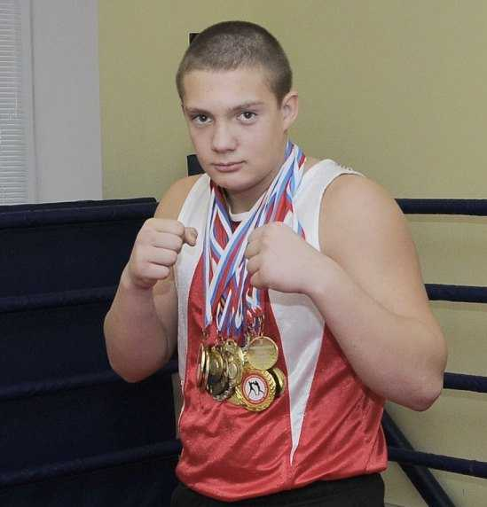 Турнир по боксу выиграл брянец, вынужденный выступать за Москву