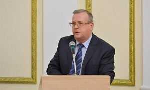 Директор брянского департамента стал заслуженным врачом России