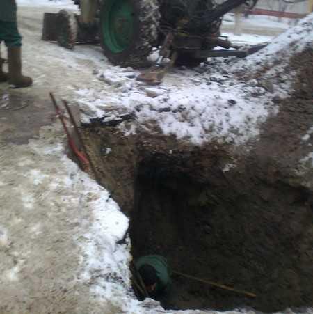 В Брянске из-за прорыва трубы без воды остались 350 домов