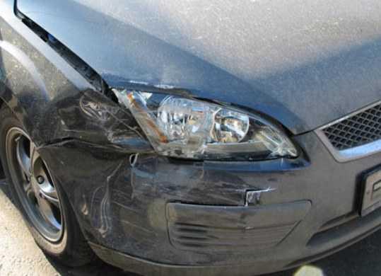 Под Брянском погиб водитель «Форда», врезавшегося в дерево