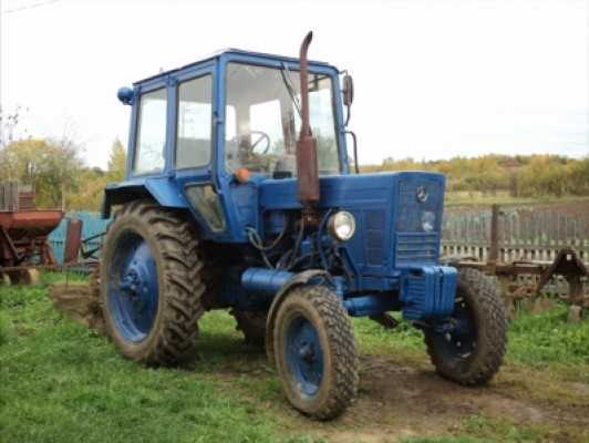 В брянском колхозе трактор убил доярку