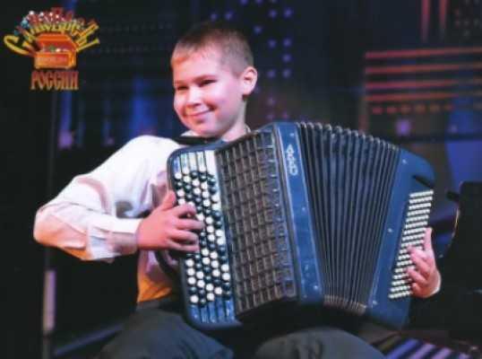 Брянский «самоцвет» победил во всероссийском конкурсе баянистов