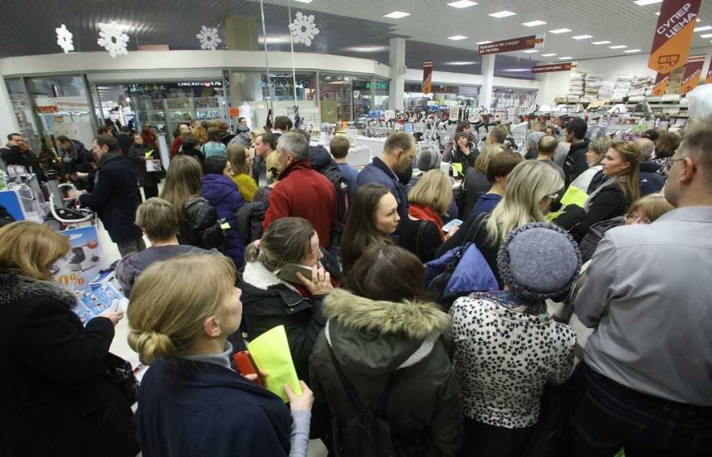 Россияне опустошили магазины из-за социального невроза