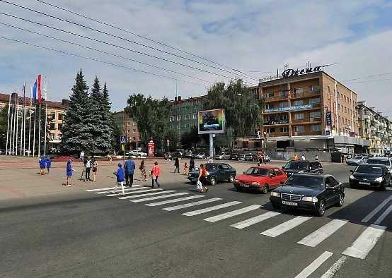 Брянцы проголосовали против «зебры» на площади Ленина